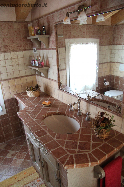 Bagno in larice con muratura rosso verona contado roberto group cucine e arredamenti su - Bagno in muratura ...