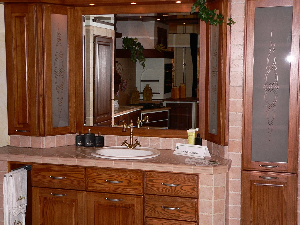 Bagno in muratura contado roberto group cucine e arredamenti su misura in legno - Mobile bagno rustico ...