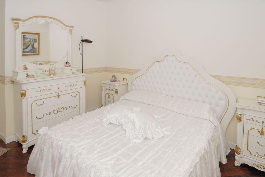 Camere Da Letto Classiche Romantiche : Camera da letto romantica contado roberto group cucine e
