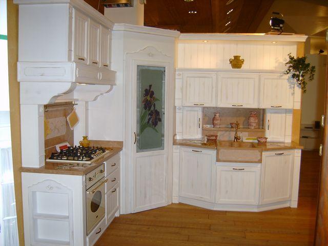 Cucina country genziana contado roberto group cucine e arredamenti su misura in legno - Cucina country bianca ...