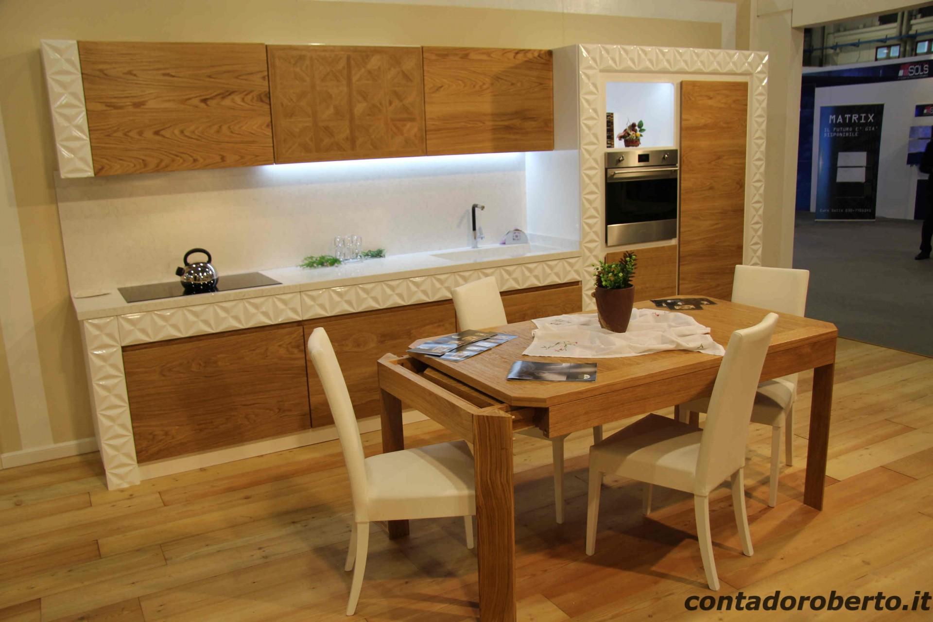 Cucina moderna verona in legno di rovere naturale laccato lucido contado roberto group - Cucine moderne in legno naturale ...