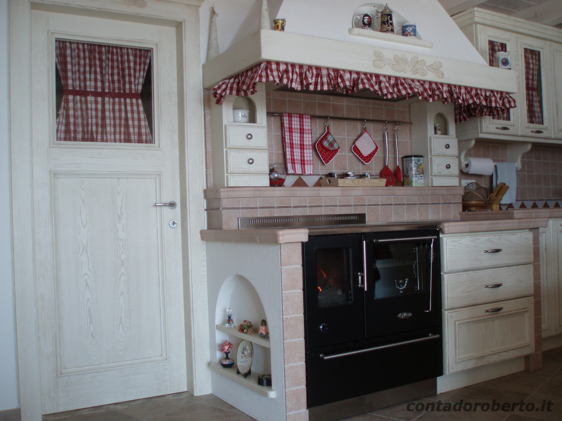 Cucina in Muratura Sotto Soppalco  Contado Roberto Group  Cucine e arredamenti su misura in legno