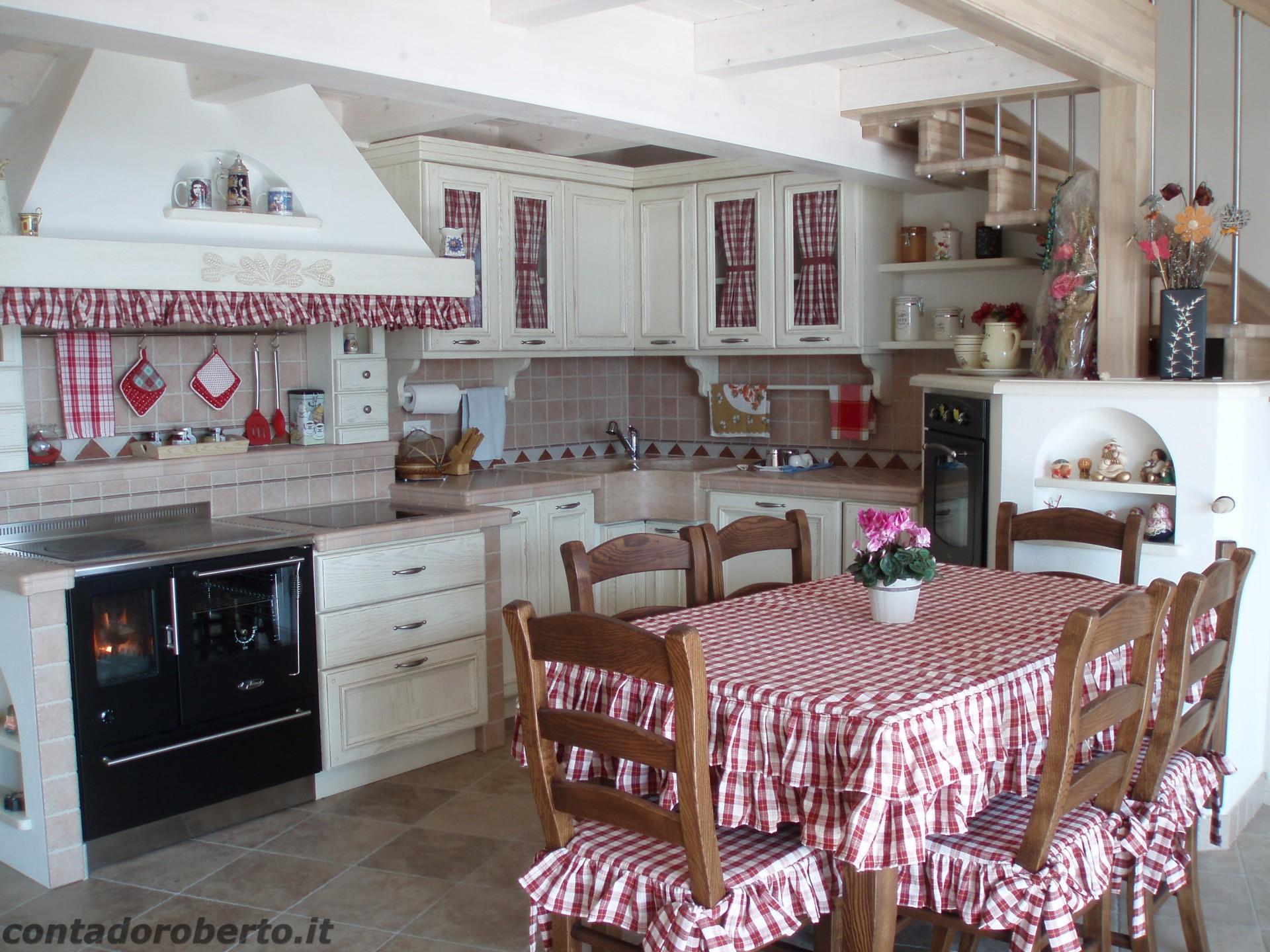 Cucina in muratura sotto soppalco contado roberto group cucine e arredamenti su misura in legno - Cucine in muratura progetti ...