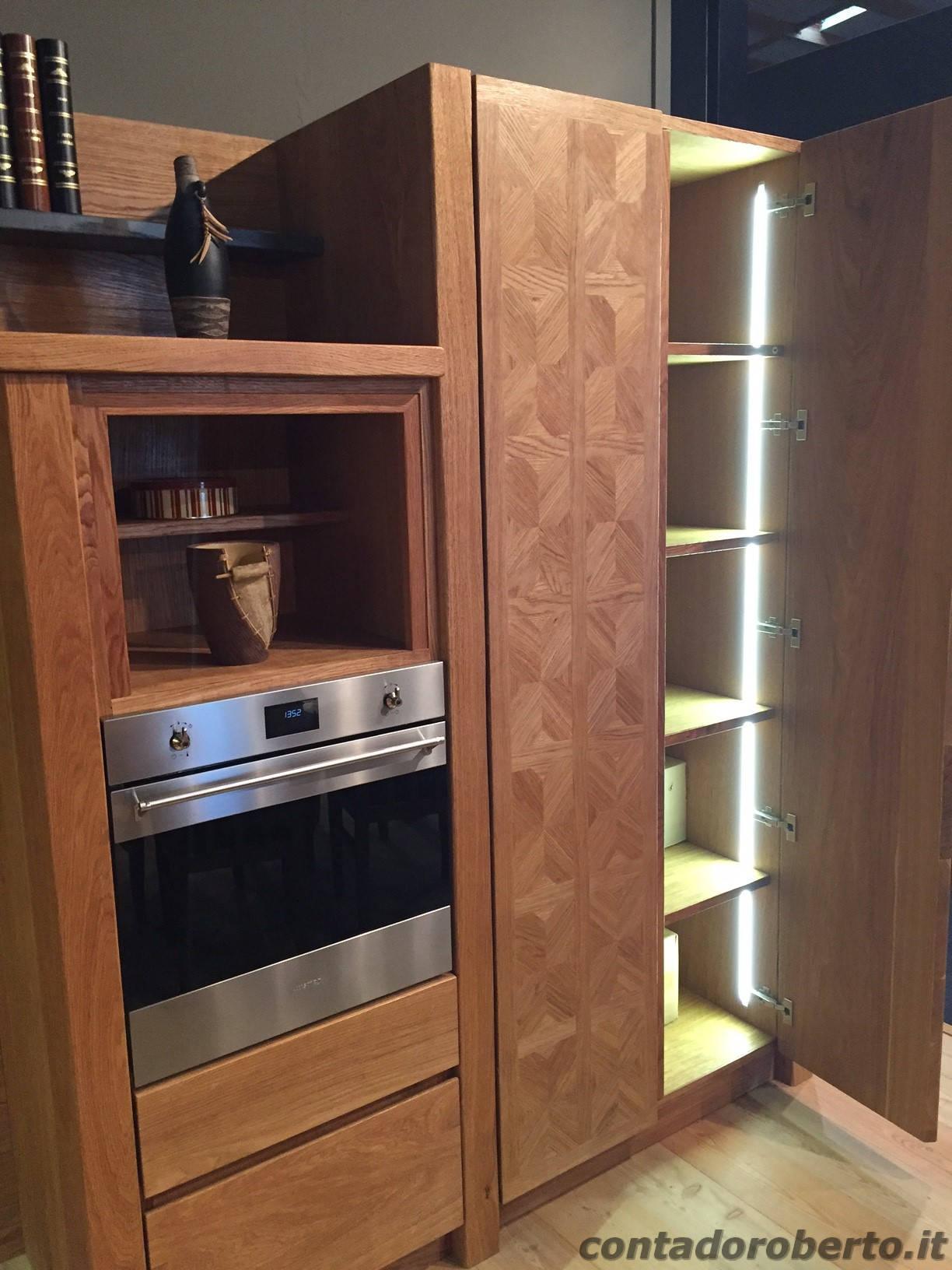 Cucina moderna in rovere naturale manerba contado roberto group cucine e arredamenti su - Cucina in legno moderna ...