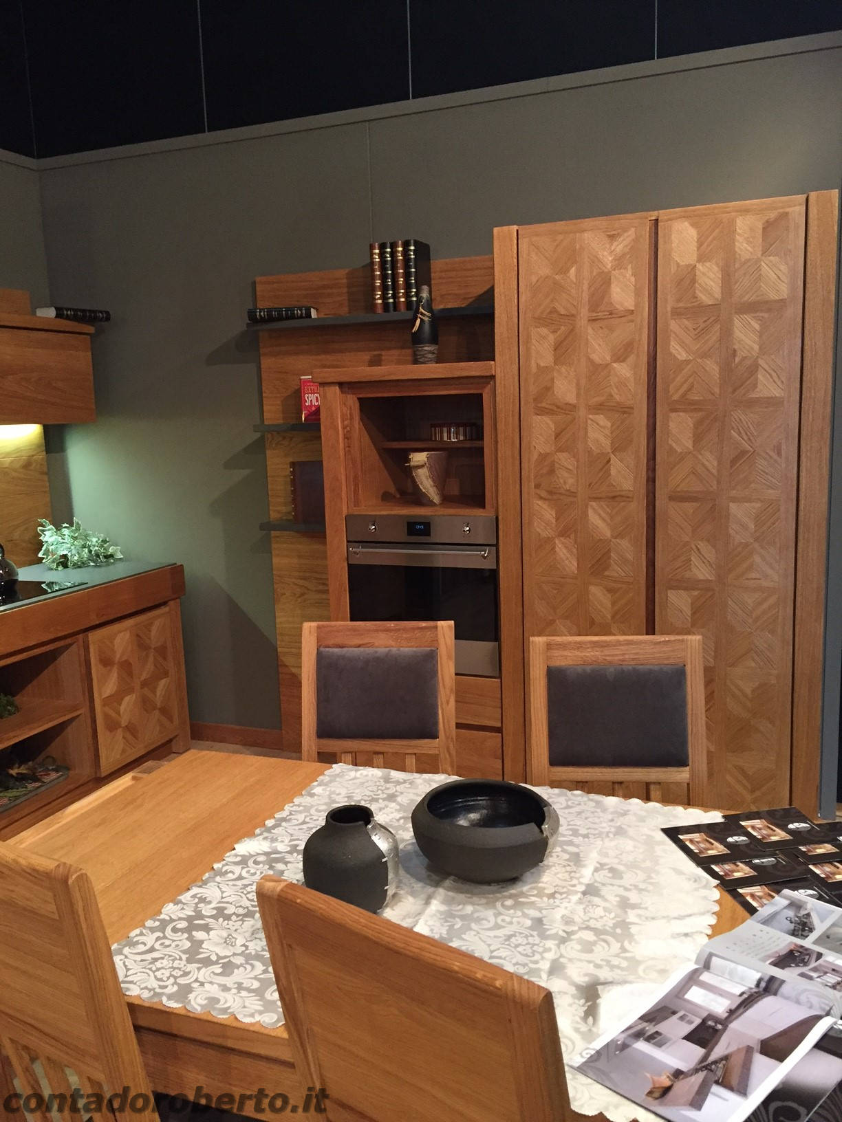 Cucina moderna in rovere naturale manerba contado for Cera arredamenti