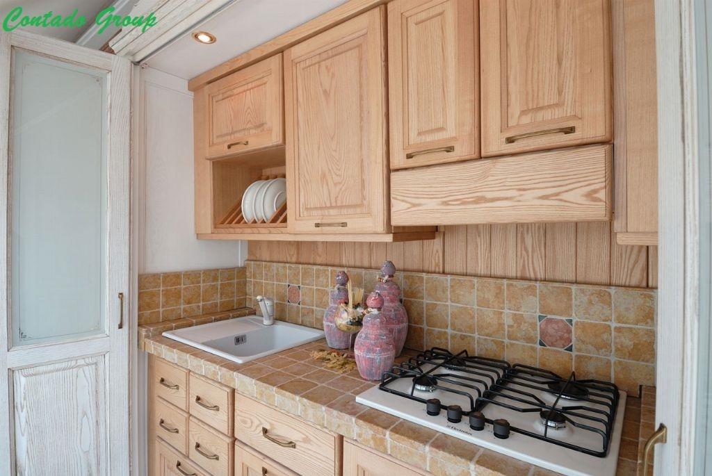 Beautiful cucine in armadio pictures ubiquitousforeigner - Armadio cucina richiudibile ...