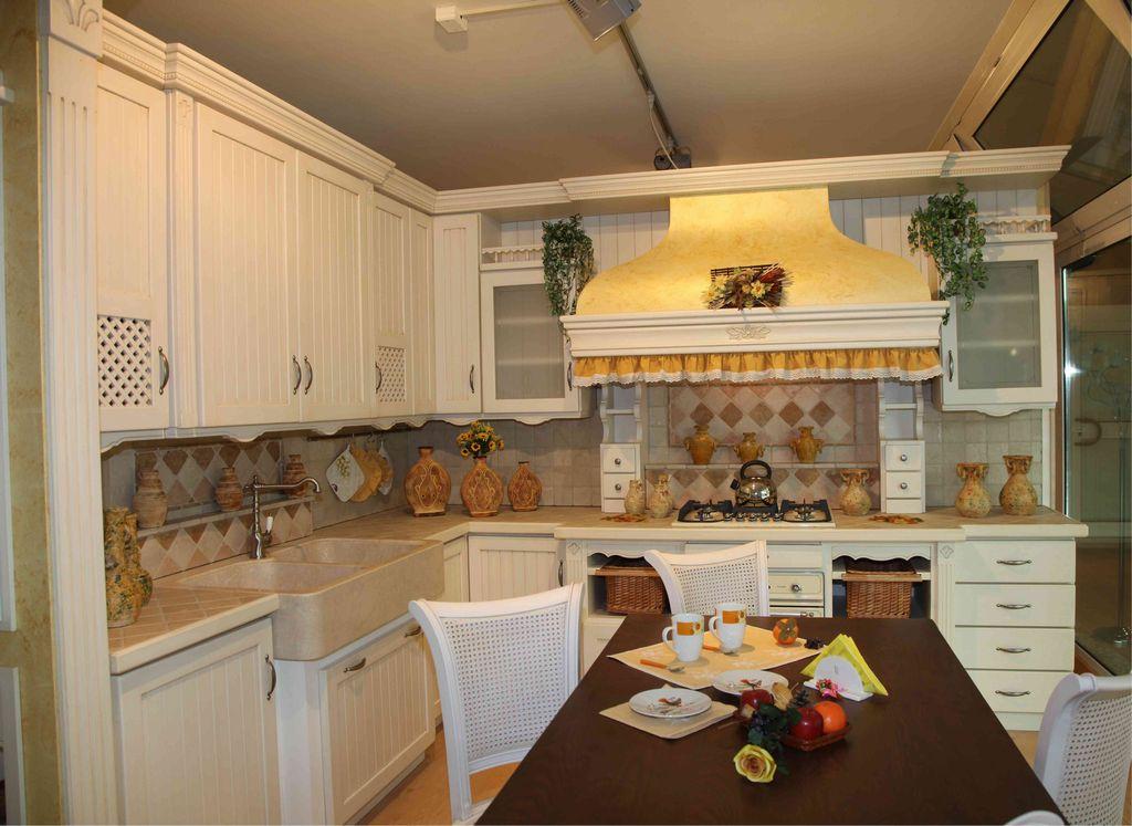 Cucina country fresia contado roberto group cucine e arredamenti su misura in legno - Mobili cucina country ...