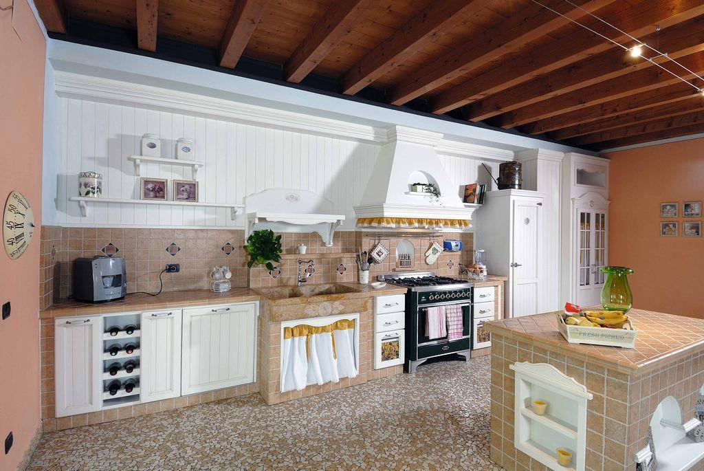 Cucina in Muratura Girasole con Gres Porcellanato  Contado Roberto Group  C...