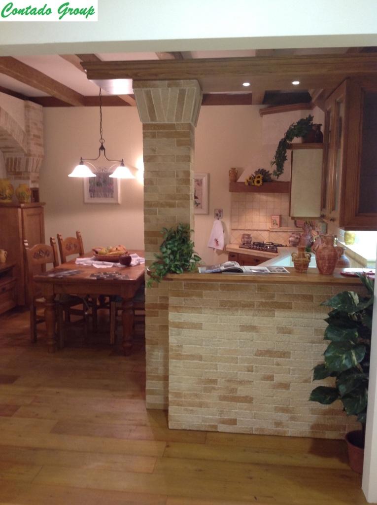piastrelle cucina mattoncini bianchi : cucina in muratura in legno massello di pino cucina in pino di svezia ...