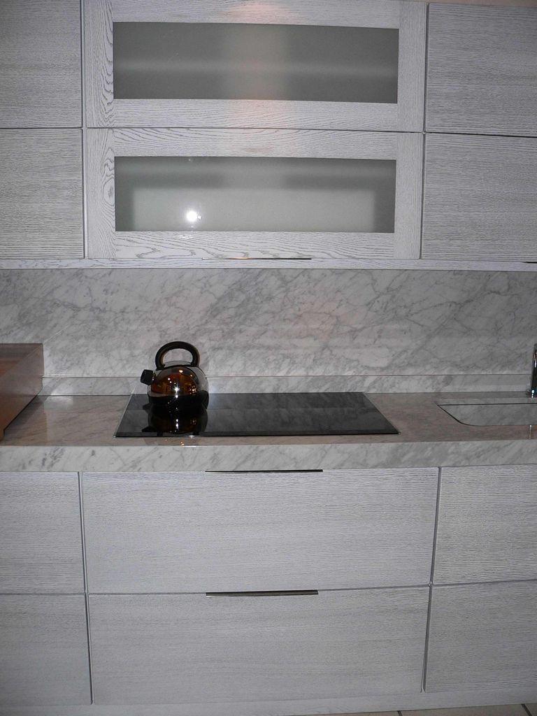 Cucina Con Piano In Marmo Di Carrara.Cucina Linear Marmo Carrara Contado Roberto Group Cucine
