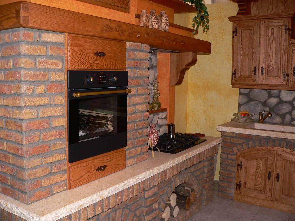 Cucina in muratura baita contado roberto group cucine e arredamenti su misura in legno - Cucina rustica in pietra ...