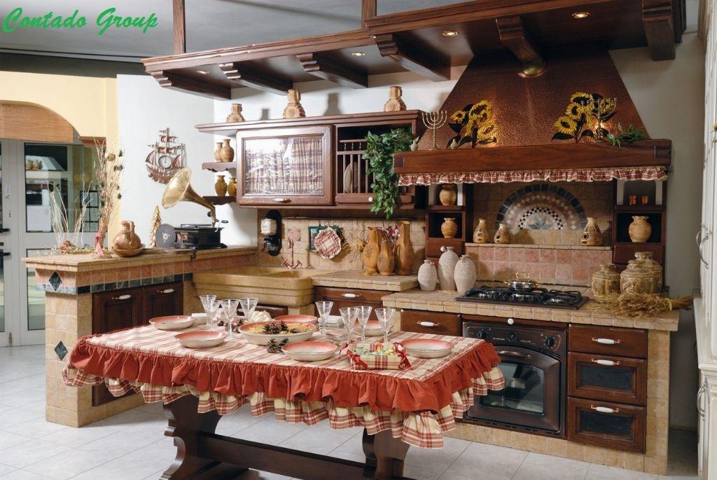Cucina in muratura vecchio casale contado roberto group for Mobili cucina con tendine