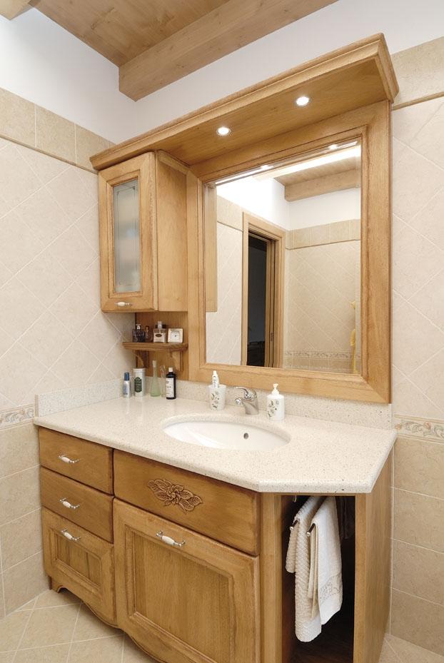 Bagno rustico contado roberto group cucine e arredamenti su misura in legno - Mobile bagno rustico ...