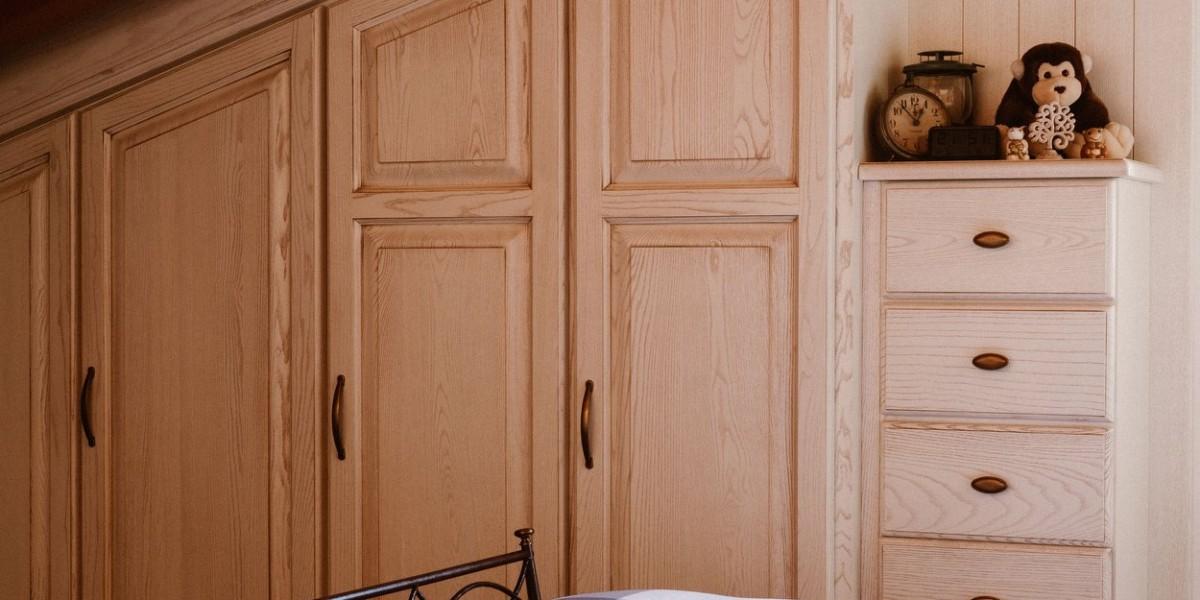 armadio-sottotetto-in-legno-a-misura-contado-group.jpg