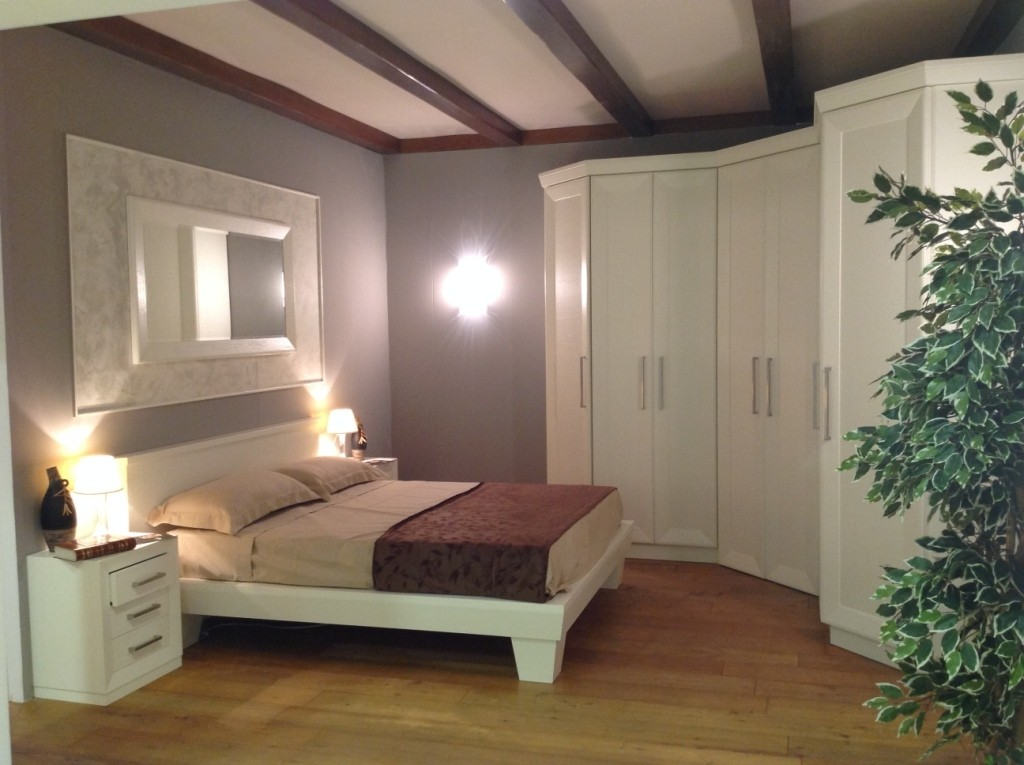 Camera da Letto con Cabina Armadio ad Angolo | Contado Roberto Group ...