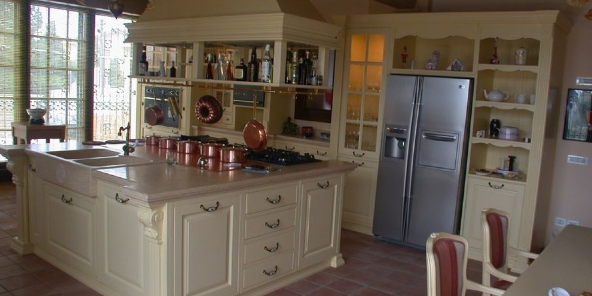 cucina-in-legno-su-misura-classica-liberty.jpg