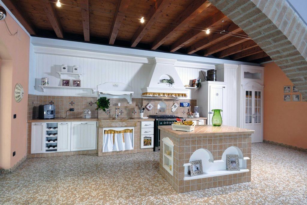 Cucina in muratura girasole con gres porcellanato contado roberto group cucine e arredamenti - Cucine particolari in muratura ...